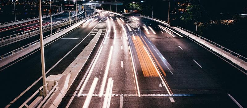 Mareos en el coche: ¿por qué ocurren y cómo evitarlos?